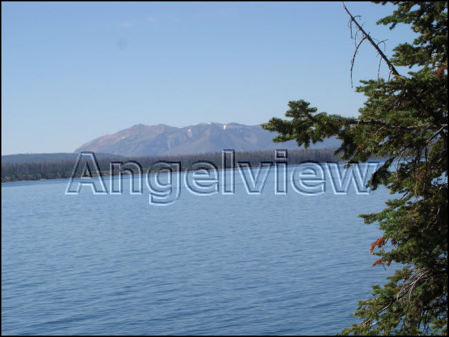 Yellowstone lake2 l